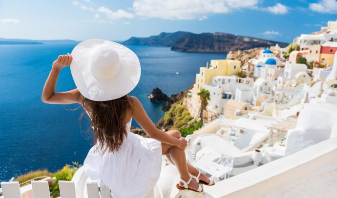 Once in a lifetime experience on the pearl of the Aegen sea - Santorini island, Greece!