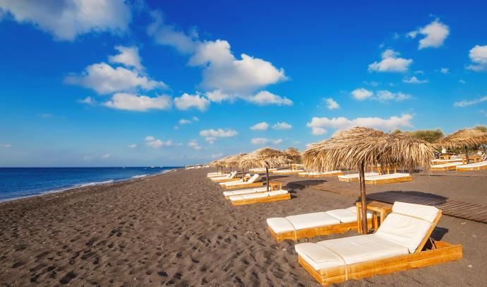 Perissa – Perivolos Black Beach in Santorini